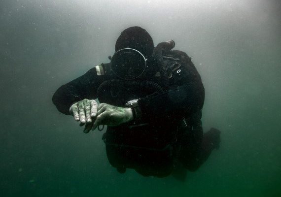 Diving_with_Panerai_Luminor_1000-570x412